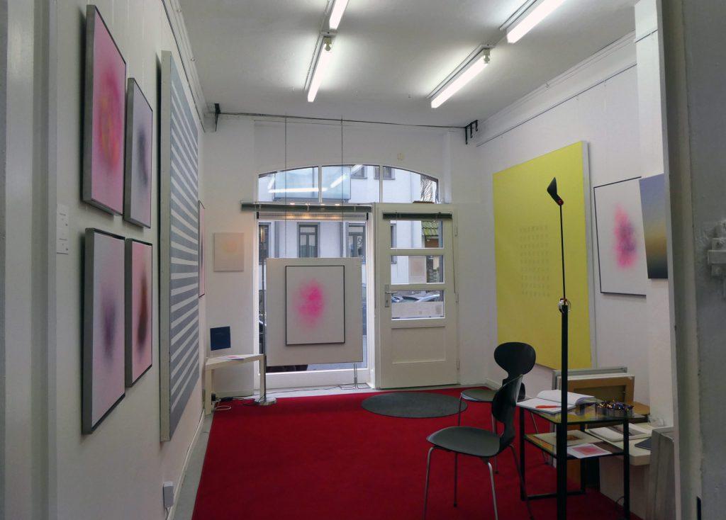 Blick in den Ausstellungsraum von Bernhard Kock, Künstler in Hannover